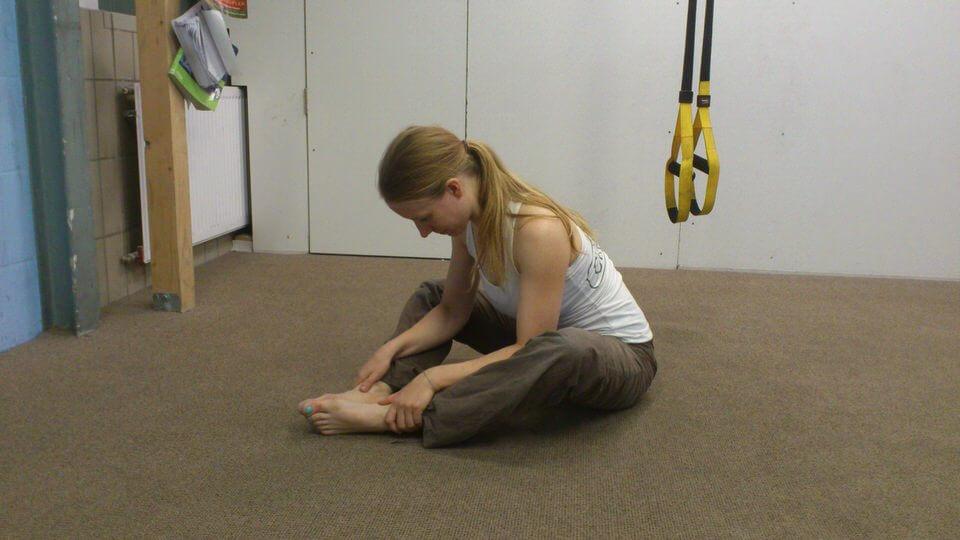 Yoga nach dem Klettern leichte Vorwärtsbeuge