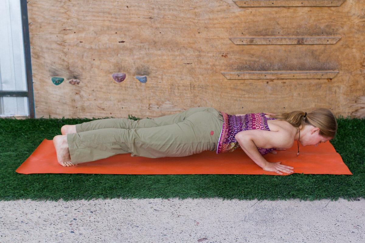 Yoga für Kletterinnen Chaturanga BoulderSide