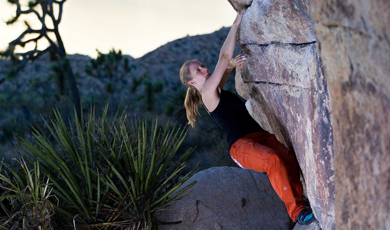 Stefanie Fischer Fernandez Boulder in Joshua Tree CA