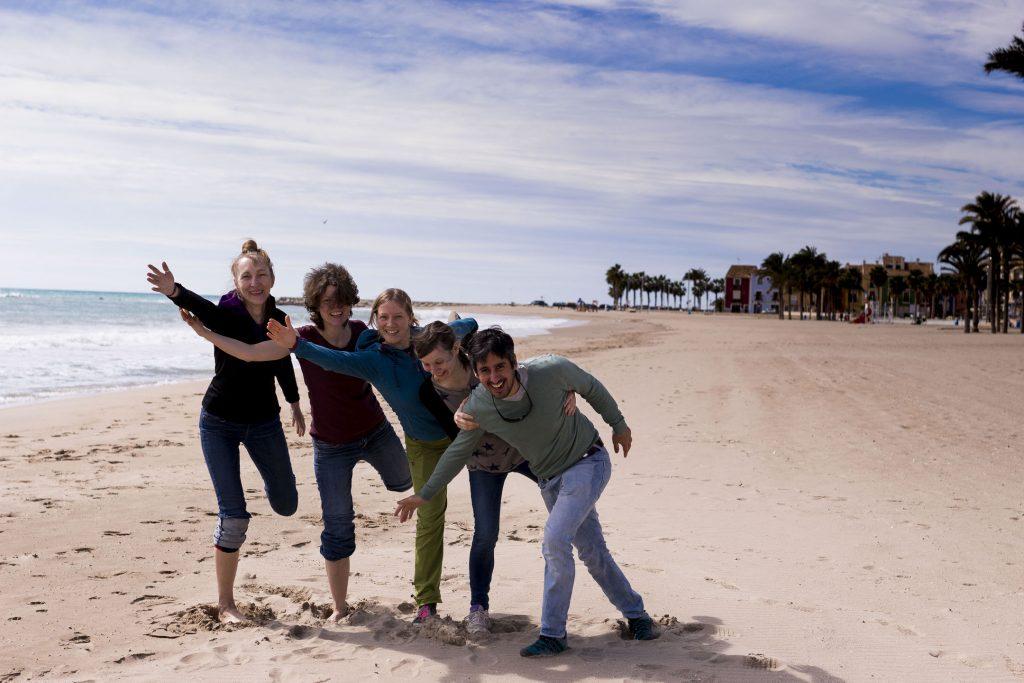 Kletter-Yoga-Retreat Yogafoto am Strand